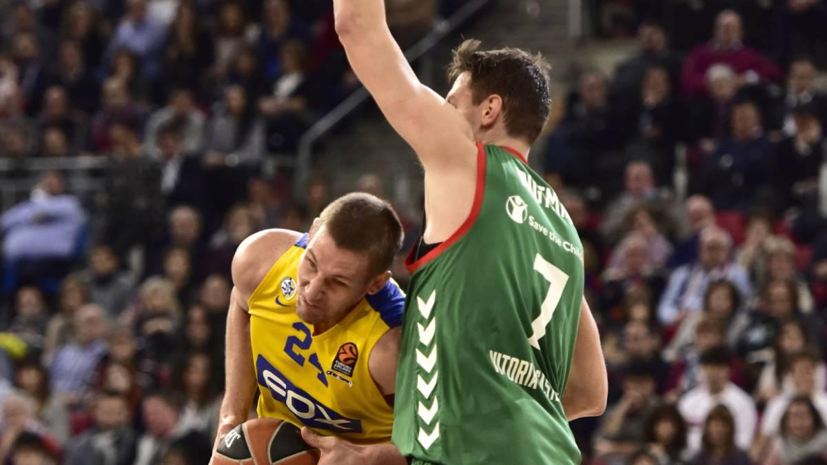 El Baskonia remonta 18 puntos, pero falla en la última jugada: Maccabi Fox 85 - Baskonia 84