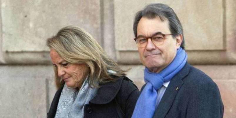 Los insultos con los que los 'prendas' del independentismo catalán acosan a la fiscal del 'Caso Mas'