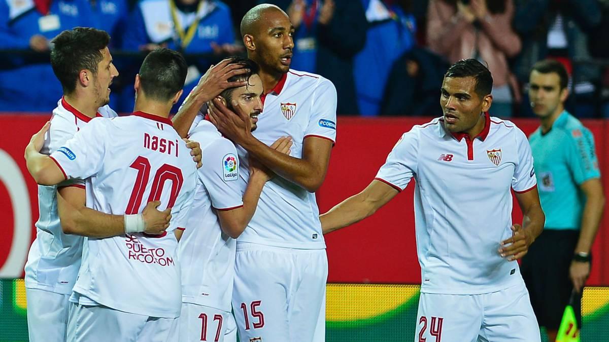 El Sevilla tira de Jovetic y duerme segundo, mientras el Depor sigue sin ganar