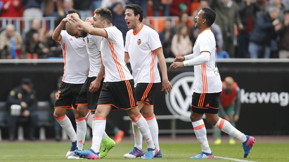 """Diego Alves: """"Puede que ahora sí sea un momento bueno para jugar contra el Real Madrid"""""""