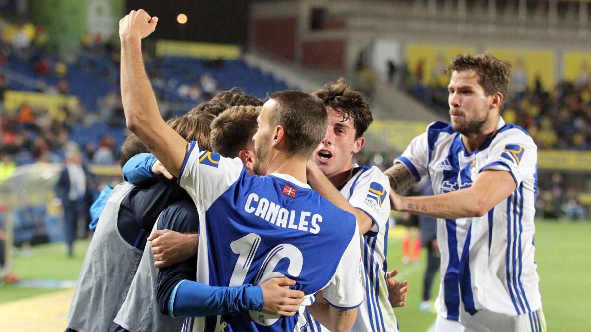 La Real Sociedad supera a Las Palmas (0-1) y sigue peleando por los puestos de 'Champions'