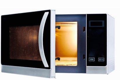 Los peligros de recalentar la comida en el microondas