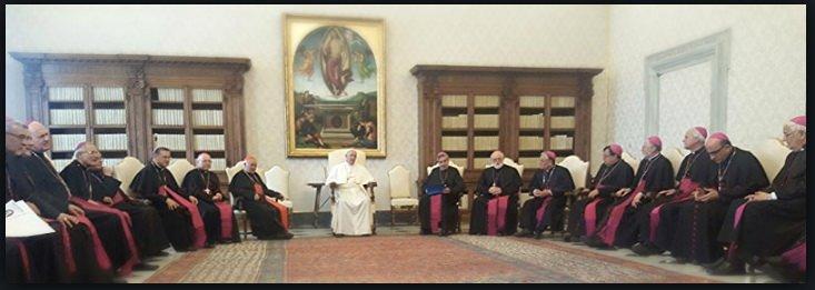 El Papa recibe durante dos horas y media a la cúpula de la Iglesia chilena