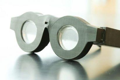 Crean unas gafas sin cristales que se adaptan a casi cualquier problema de la vista y duran para siempre