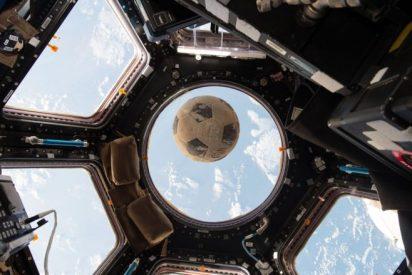 El balón de fútbol que sobrevivió al accidente del Challenger