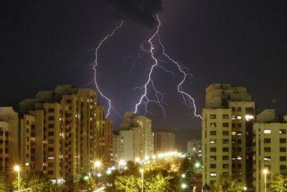 3 consejos básicos para que no te alcance un rayo durante una tormenta