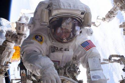 ¿Qué le pasaría a un astronauta si bebiera alcohol en el espacio?