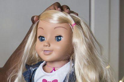 Alemania recomienda la destrucción de la muñeca 'espía' Cayla