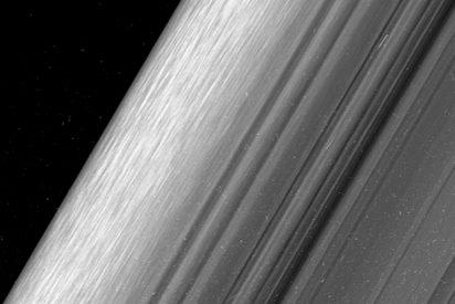 Los anillos de Saturno podrían albergar millones de minilunas