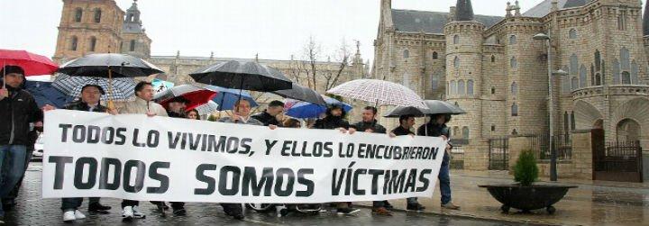"""Exseminaristas se manifiestan en Astorga y exigen """"justicia real"""" para las víctimas de abusos sexuales"""