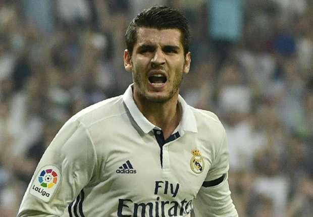 Remontada estratosférica: El Real Madrid tira de épica, saca corazón y manda en la Liga (2-3)