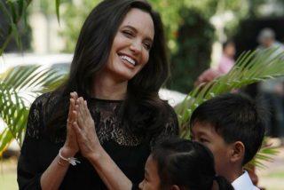 """Angelina Jolie, sobre su divorcio: """"Somos y siempre seremos una familia"""""""