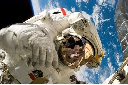 Así orinan los astronautas