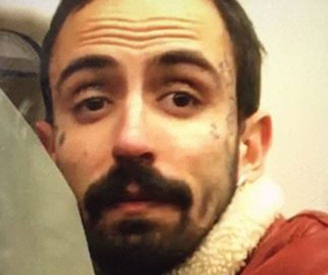 Atacada tras reprochar a una pareja que practicara sexo en el metro