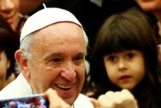 """Francisco: """"Los pequeños, los pobres, los sencillos, los marginados, mantienen viva nuestra esperanza"""""""