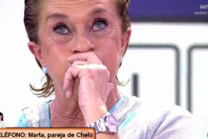 """Chelo García Cortés, rota ante la llamada de su mujer en directo: """"¡No podría vivir sin ti!"""""""