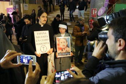 Un falso sacerdote y dos falsas monjas protagonizan la anécdota de Vistalegre II