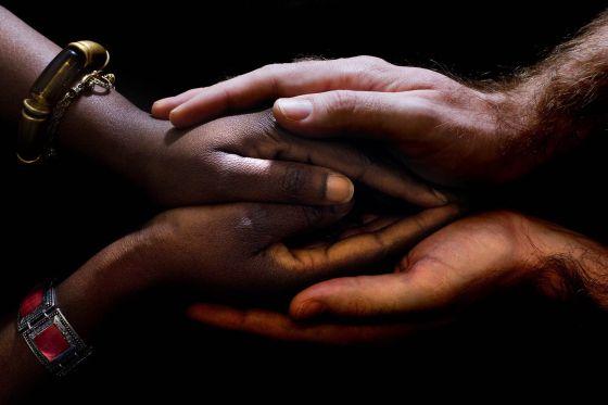 Por un mundo sin la barbarie de la mutilación genital femenina
