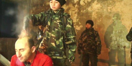 Asesinato en directo: El 'niño conejo' del ISIS y sus macabros deberes escolares