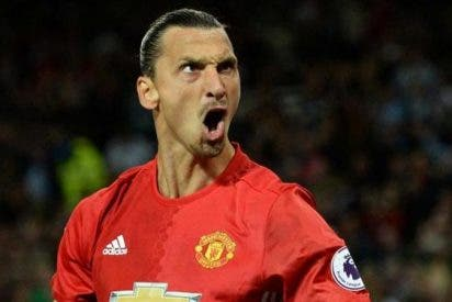 Zlatan Ibrahimovic da al United de Mourinho su quinta Capital One Cup