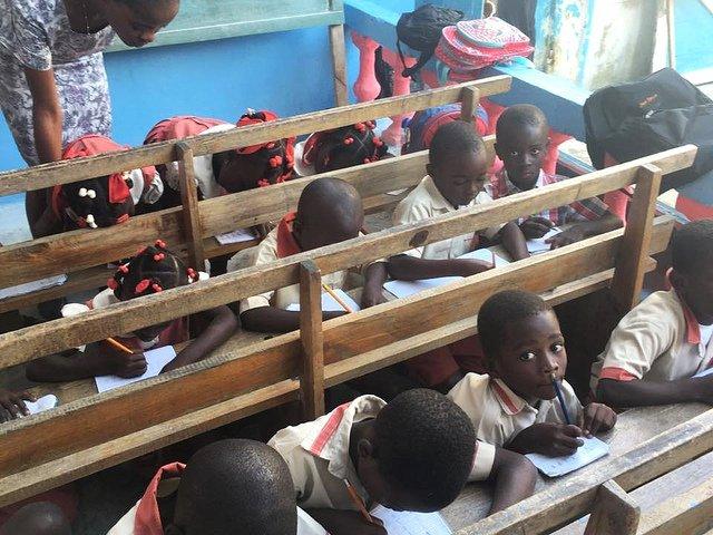 En defensa de la escolarización digna de los niños de Jeremie