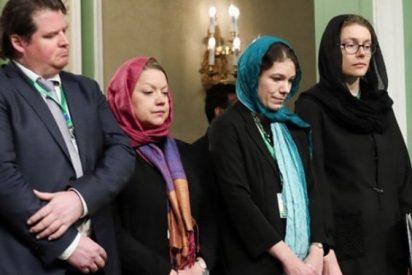Twitter se indigna con las hipócritas feministas suecas que se arrodillan ante los sátrapas de Irán