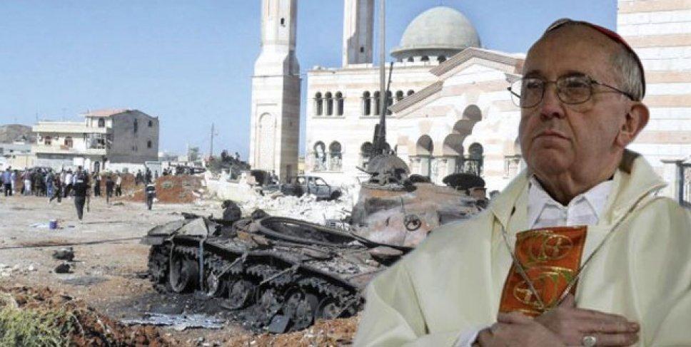 "Bergoglio advierte que el mundo ""vive una guerra compleja"""