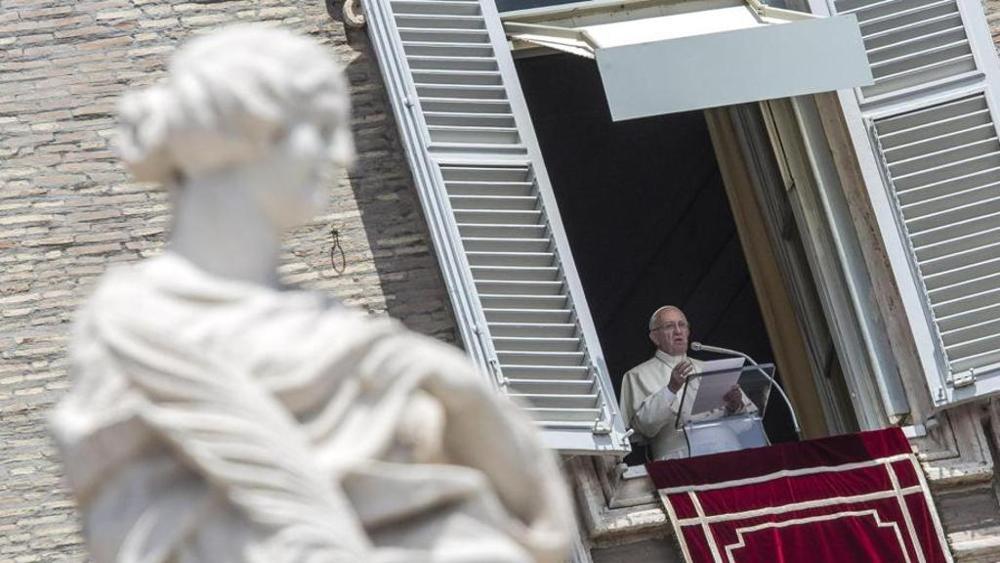 """El Papa denuncia """"la tragedia de los niños soldados"""" en el Congo"""