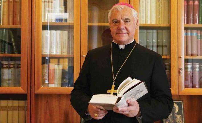 "El cardenal Gerhard Müller advierte del ""veneno"" que paraliza a la Iglesia católica"