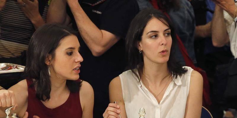 Irene Montero y Rita Maestre, las 'reinas de corazones' de Podemos, son dos brujas de cuidado