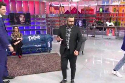 Kiko Matamoros rechaza el abrazo de su hijo y huye enfurecido del plató del 'Deluxe'