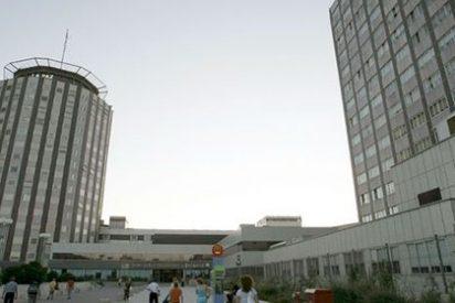 Terrible: un hombre asesina a su bebé lanzándose con él desde el cuarto piso del Hospital La Paz (Madrid)