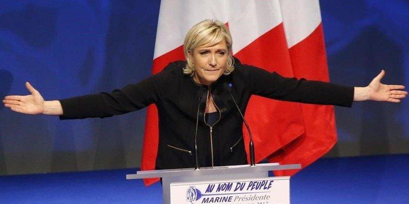 Marine Le Pen se niega a ponerse el velo islámico y planta al líder musulmán de Líbano
