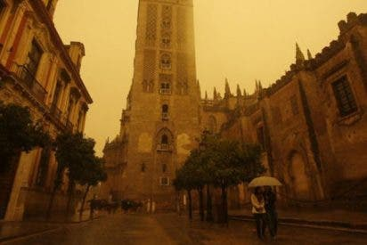 ¿Sabes por qué está lloviendo barro en algunas partes de España?