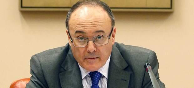 Luis María Linde: El Banco de España calcula que el PIB español creció cuatro décimas menos en 2016