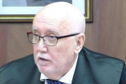 El fiscal de Murcia, que ha estado 11 años en el cargo callado como una puerta, denuncia ahora presiones oficiales