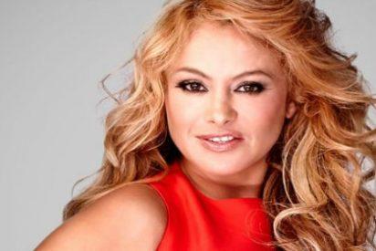 """""""¡Qué guamazo me di!"""": La espectacular caída de Paulina Rubio en el escenario"""
