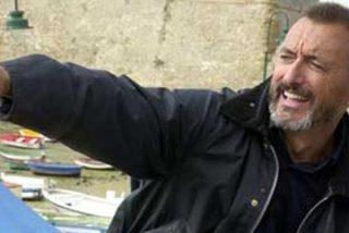"Pérez Reverte ahoga a los podemitas de En Marea: ""Estúpidos analfabetos"""