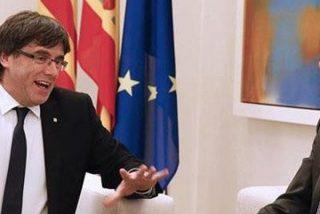 La Vanguardia apuñala a Rajoy destapando su reunión con 'Cocomocho' Puigdemont