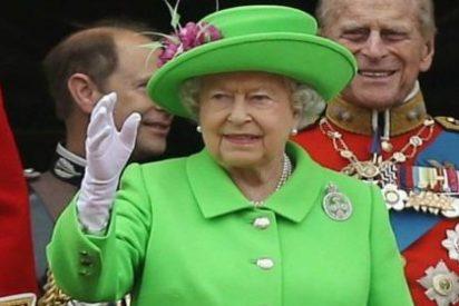 La reina de Inglaterra podría cepillarse a Donald Trump y quedarse tan ancha