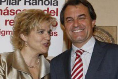 """Pilar Rahola maldice a la """"prensa de la meseta"""" y a la """"progresía casposa"""" por atacar a su protegido"""