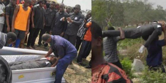 [VÍDEO] Los funcionarios sacan el cadáver del ataúd en pleno entierro porque no pasó por caja
