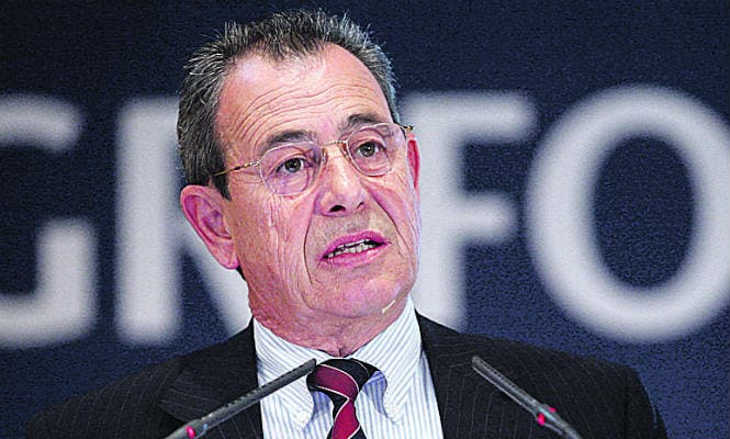 Víctor Grifols gana 1,27 millones en su último año como consejero delegado de la empresa