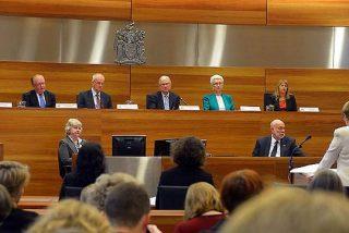 La comisión anti-abusos cita a seis de los siete arzobispos australianos