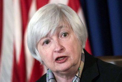 Janet Yellen advierte del riesgo de esperar demasiado para subir tipos y de cambiar las políticas económicas