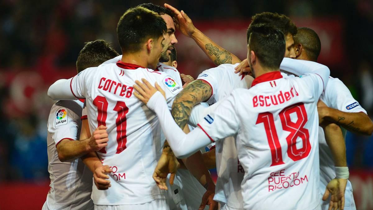 Un gol de Iborra permite al Sevilla seguir soñando con la Liga tras ganar al Athletic
