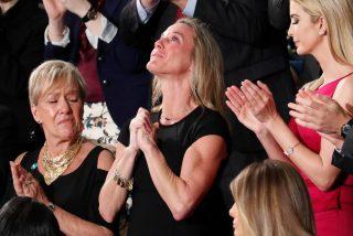 """[VÍDEO] El emotivo homenaje de Trump al Navy Seal caído en combate por su patria: """"Murió como un héroe"""""""