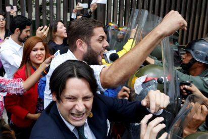 Venezuela pide auxilio al mundo libre contra el golpe de Estado del chavista Maduro
