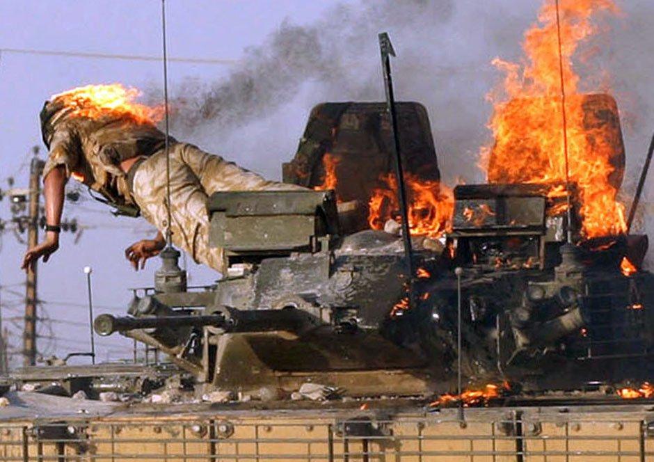 Con este coraje se suicida un soldado iraquí para salvar la vida a sus compañeros