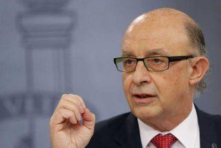 """Cristóbal Montoro garantiza que España cumplirá """"con holgura"""" el objetivo de déficit de 2016"""